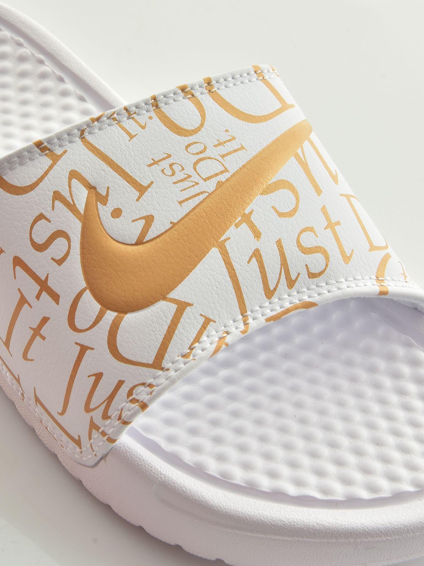 Nike női papucs BENASSI JDI PRINT FLORAL   Markasbolt.hu